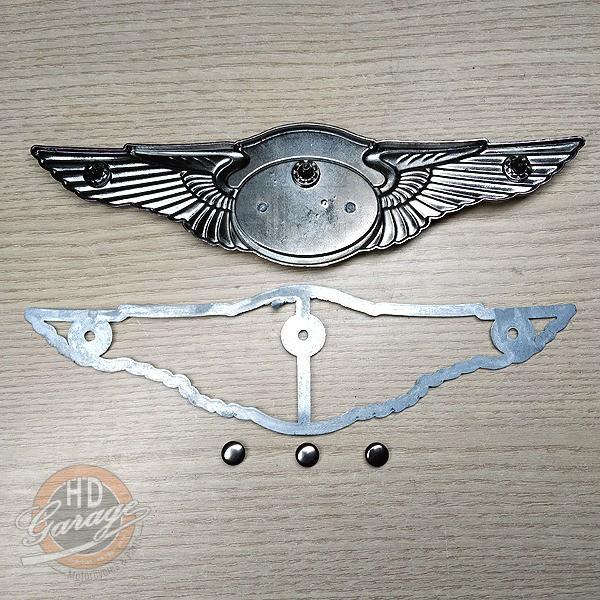 Medalhão Comemorativo 110 Anos em Metal - 19,5cm x 5cm - 012/24206