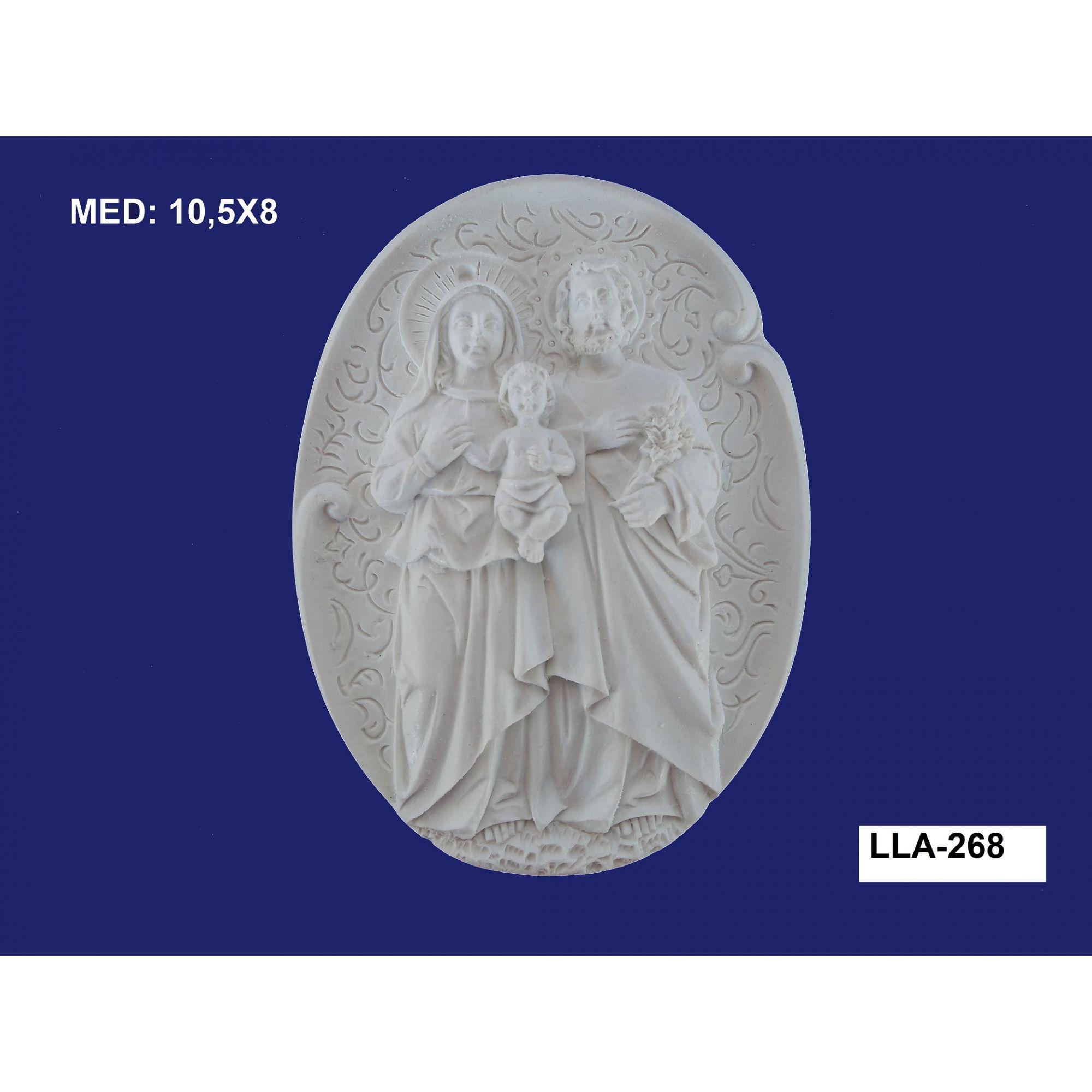 LLA-268 APLIQUE FAMILIA SAGRADA NA PLACA 10,5X08CM