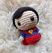 """Amigurumi """"SUPERMAN"""" DC"""