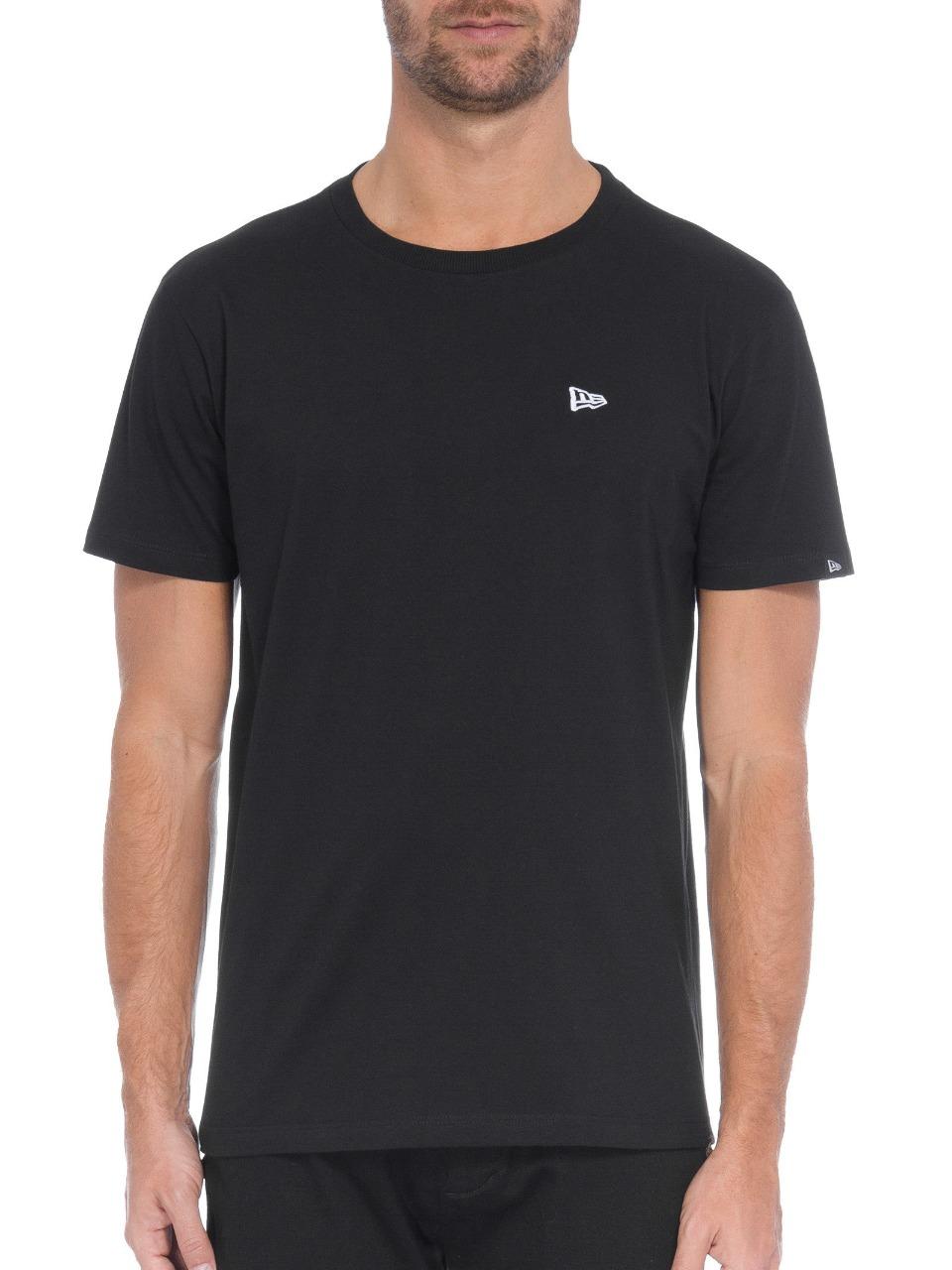 Camiseta New Era Essentials Flag Básica Preta