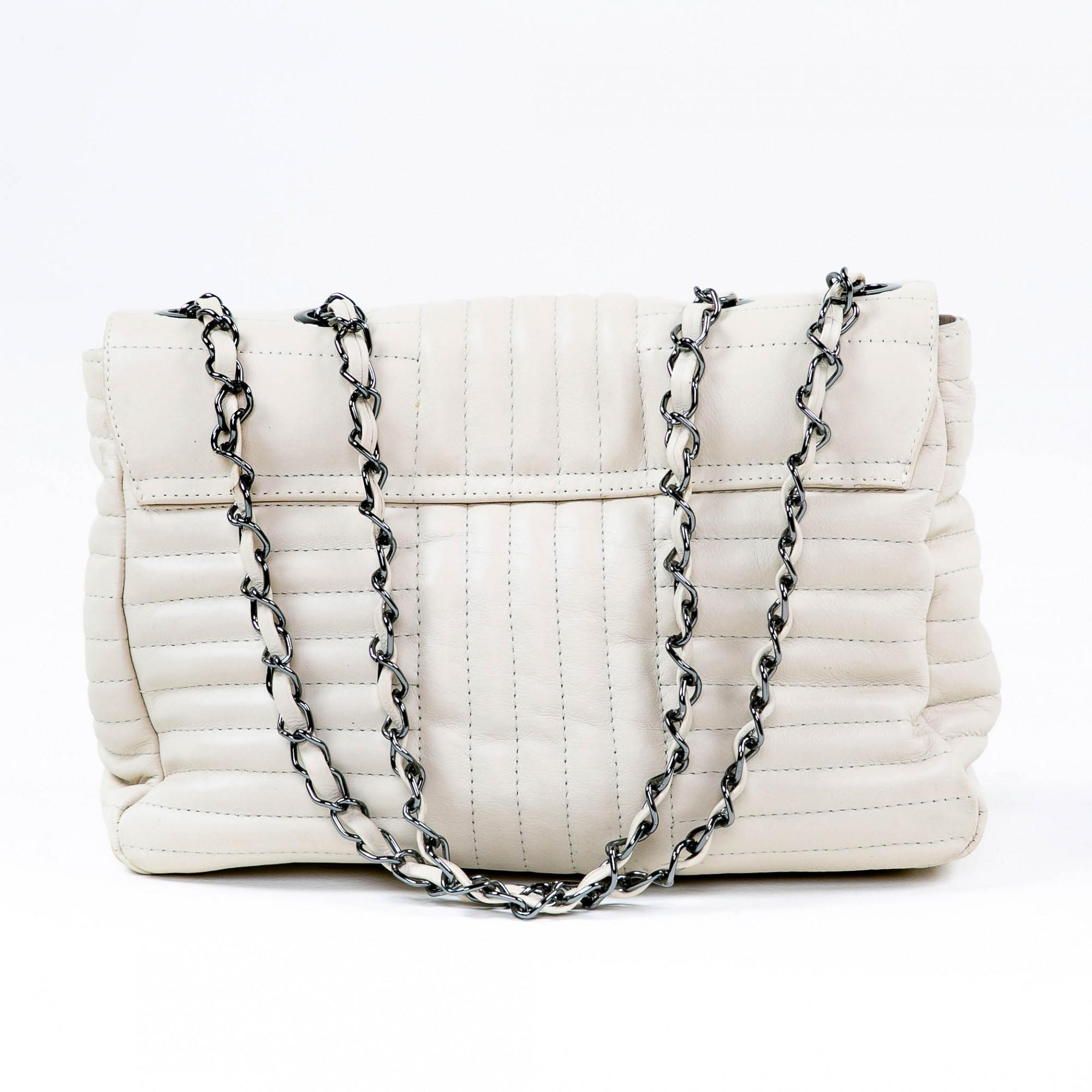 Bolsa matelassê couro off white