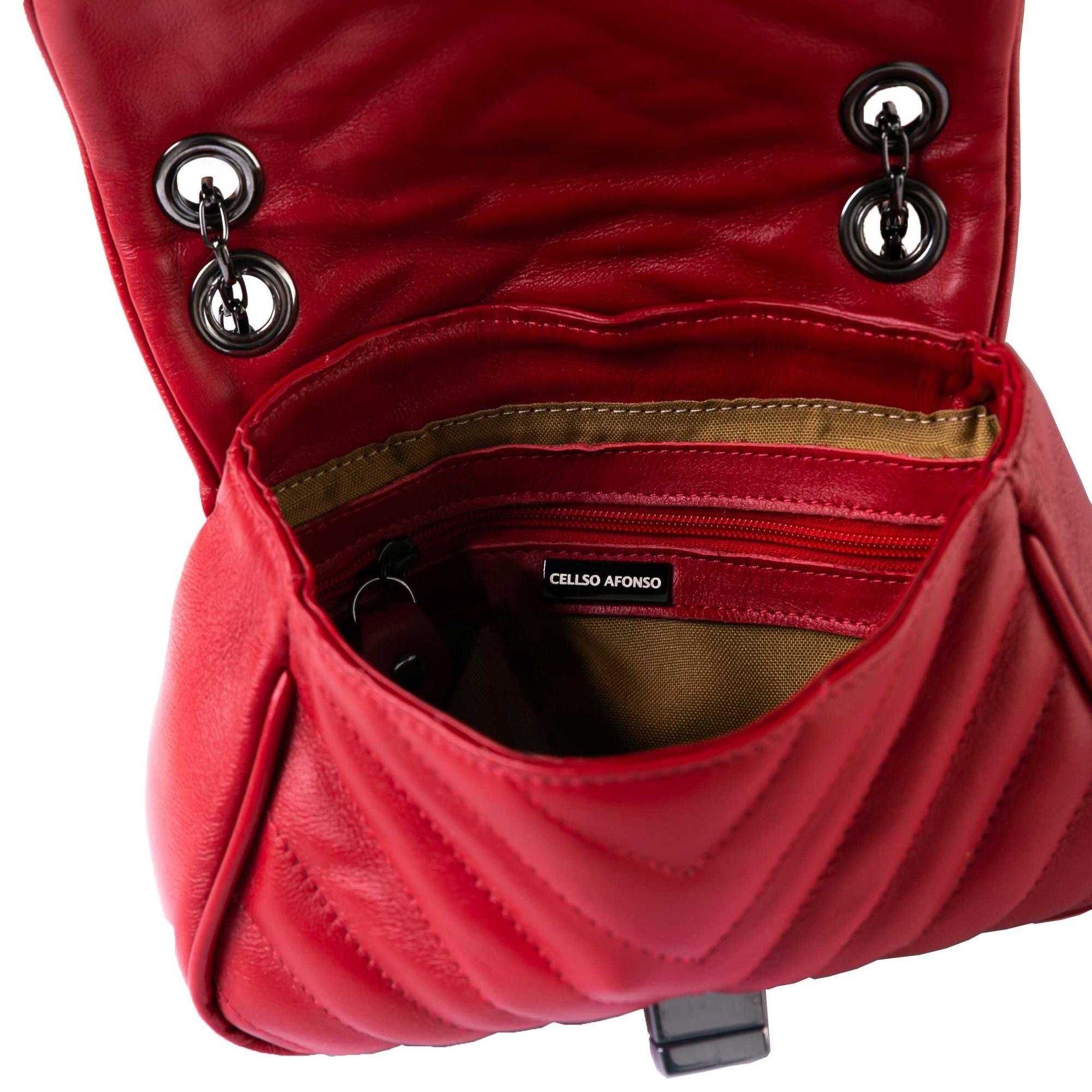 Mini bolsa matelasse chevron couro vermelho.  - Cellso Afonso