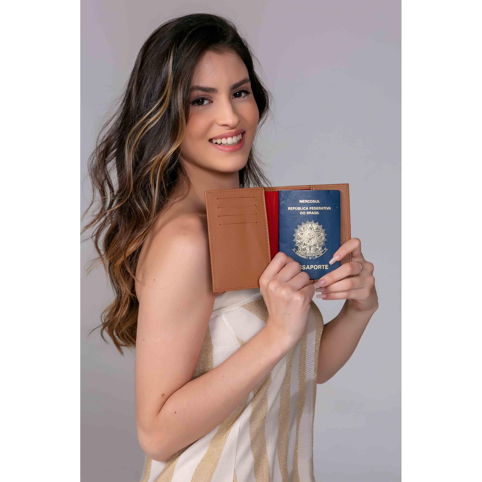 Porta passaporte couro safiano preto.  - Cellso Afonso
