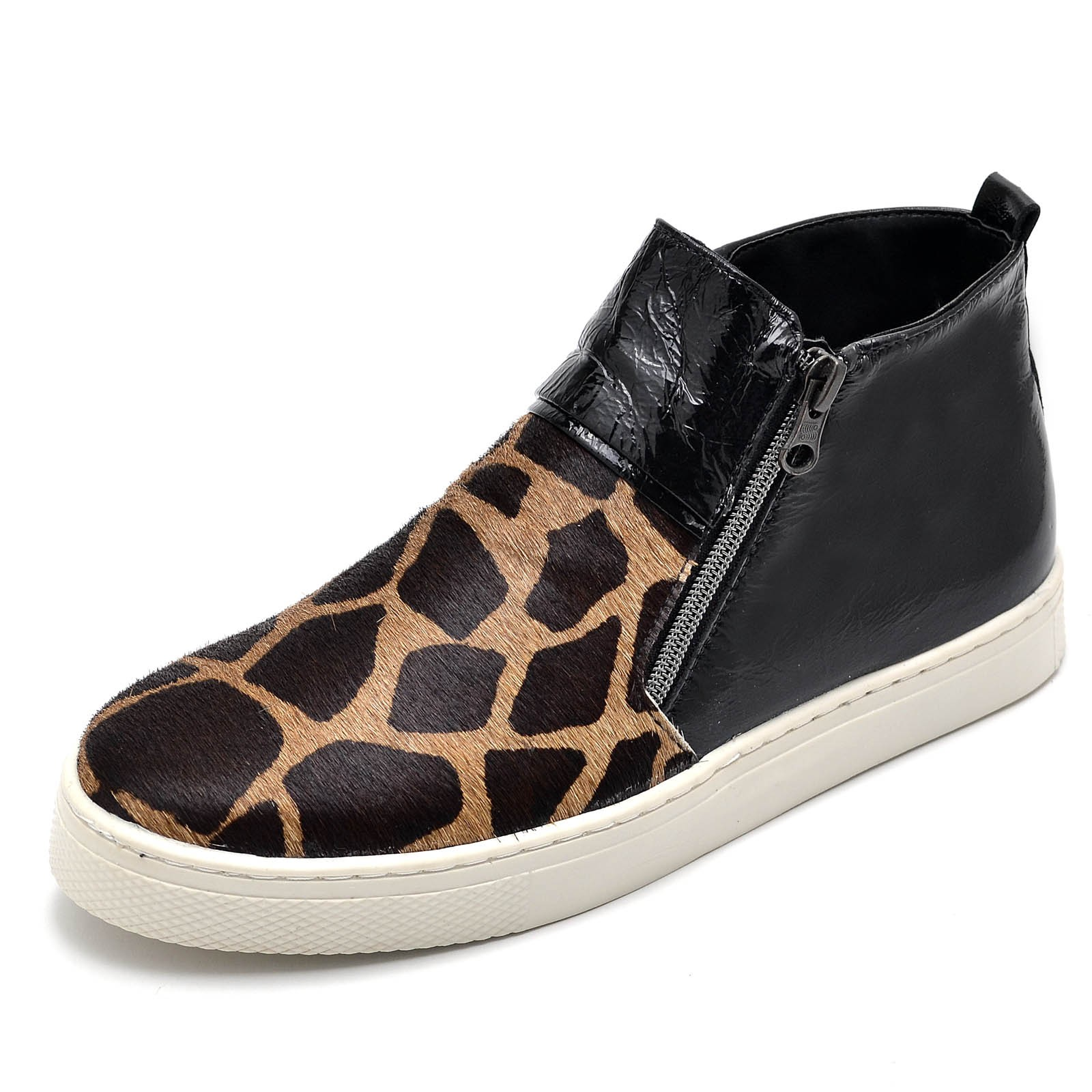 Botinha Gommix 26100 verniz Preto Girafa