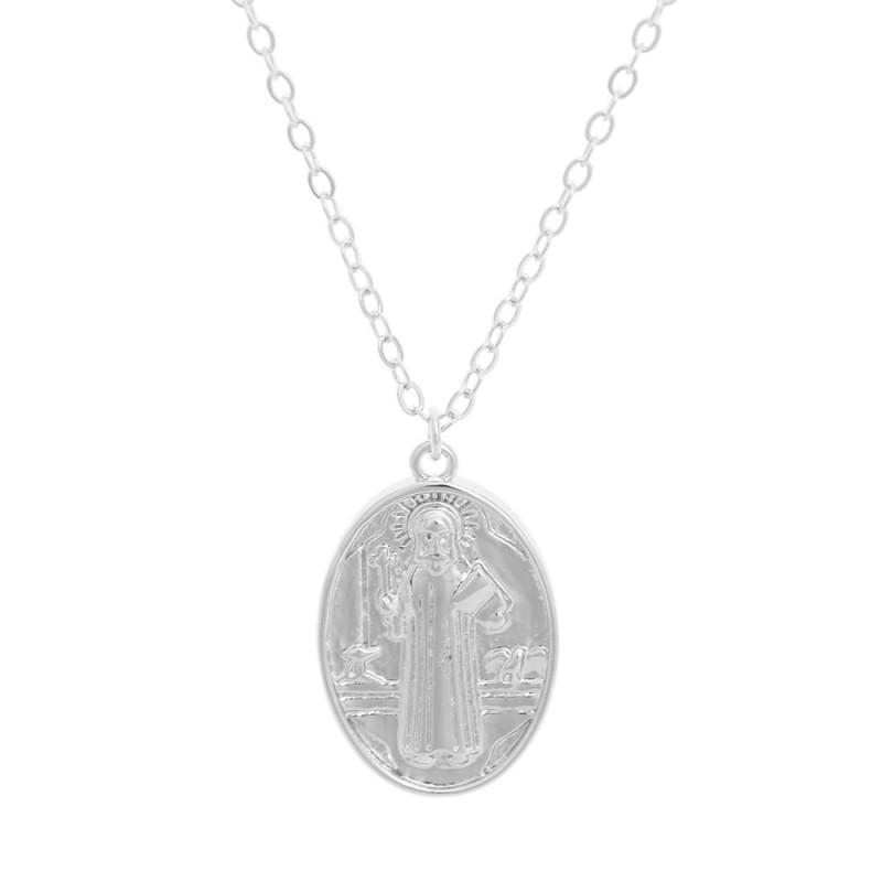 Colar com medalha religiosa