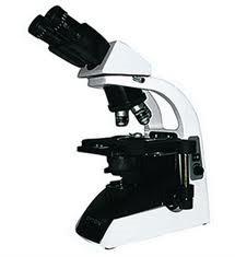 Microscópio Biológico Binocular com Aumento 40X a 1000X, Objetiva Planacromática Infinita. Atc
