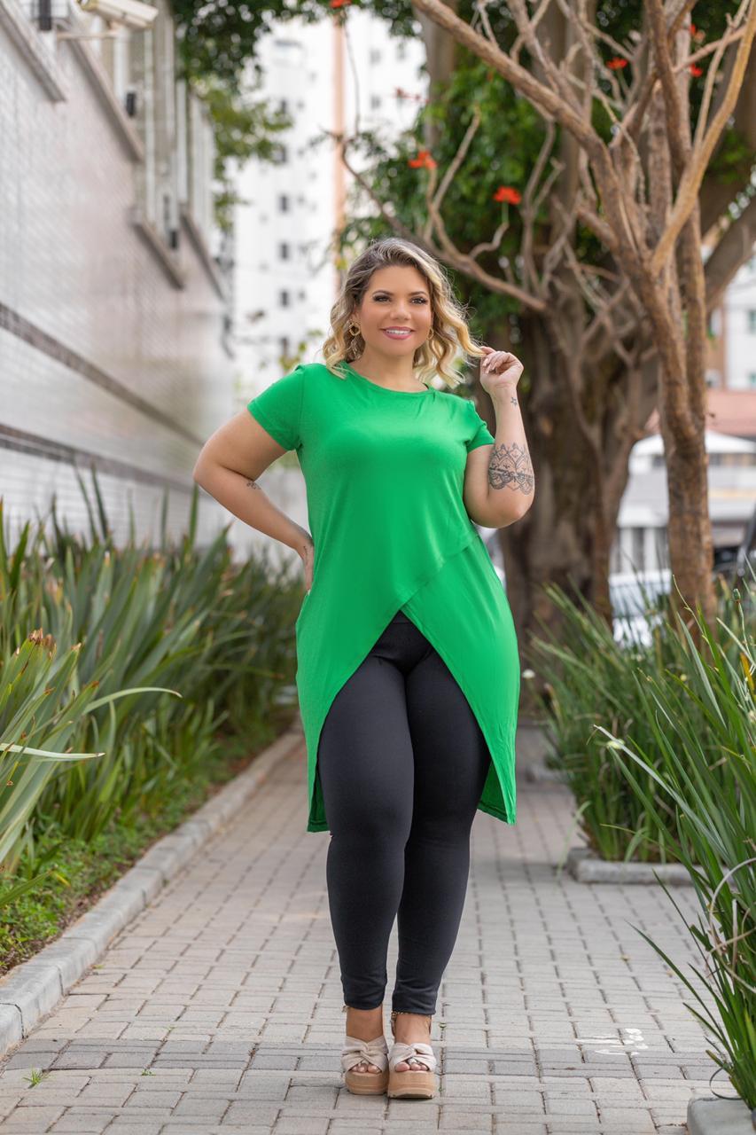 Blusinha Feminina Transpassada Preto Plus Size Mazal