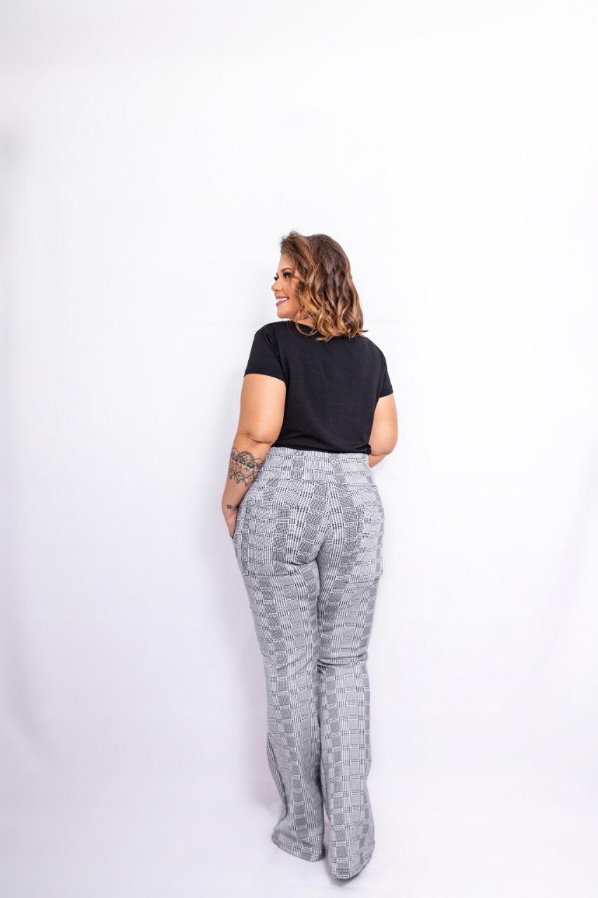 Calça Feminina Flare Jacquard Plus Size Mazal