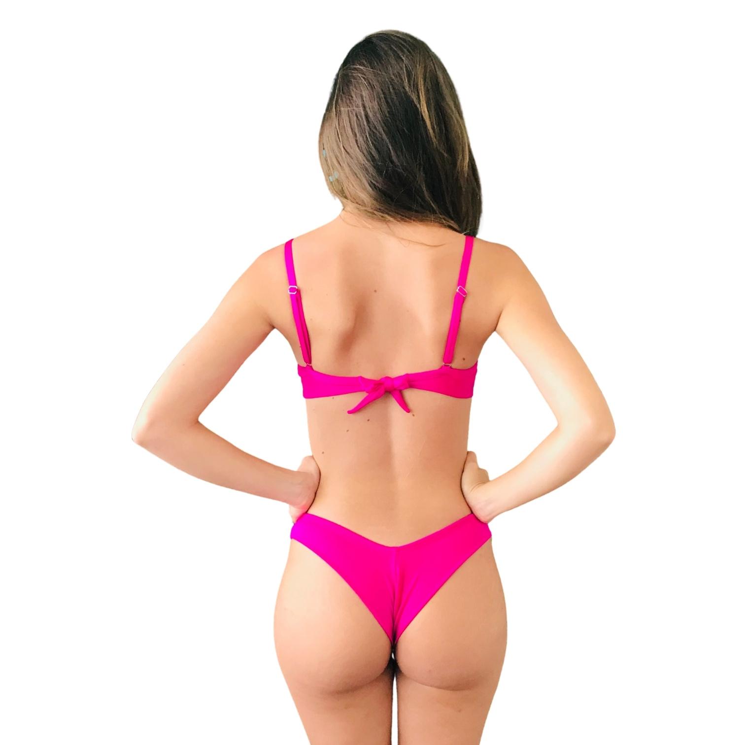 Biquíni Meia Taça Retrô Com Tanga Asa Delta Fio Duplo Pink Cirrê