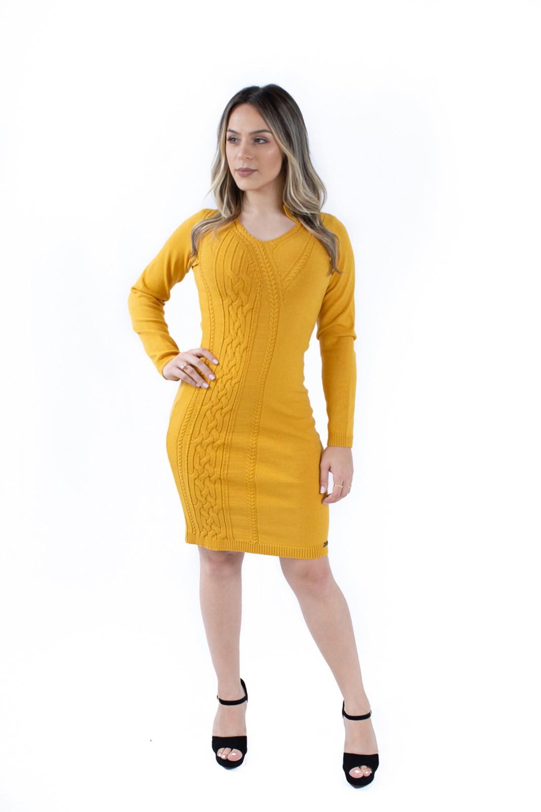 Vestido com Gola Assimétrica e Bordada Jéssi Tricô