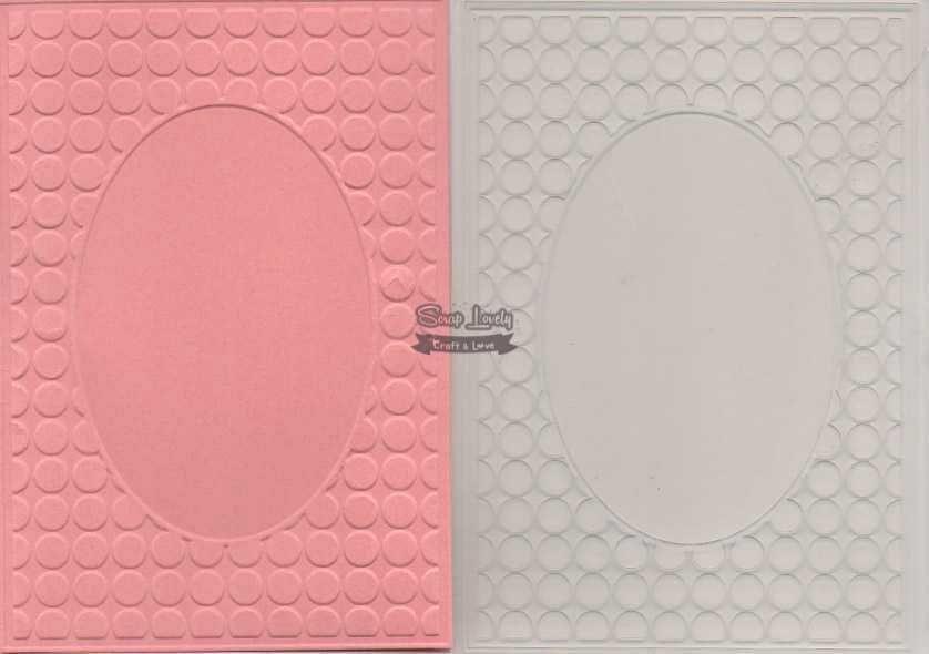Placa de Emboss Moldura com Poá 10,6cm x 15cm (A6) PE001-15 - Art e Montagem