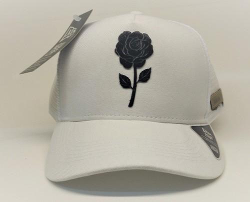 Boné Aba Curva New Cap Rosas Com Ajuste Snap Back