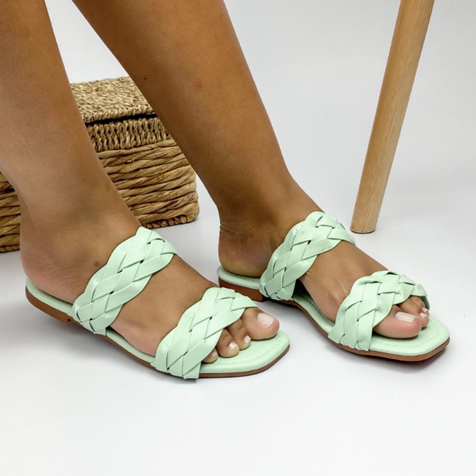 Sandália Feminina Rasteira Trançada Verde