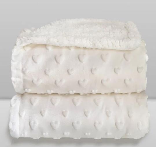 Cobertor Sherpam Hearts Coração Off White Laço Bebê