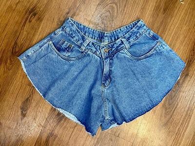Short Jeans Lore