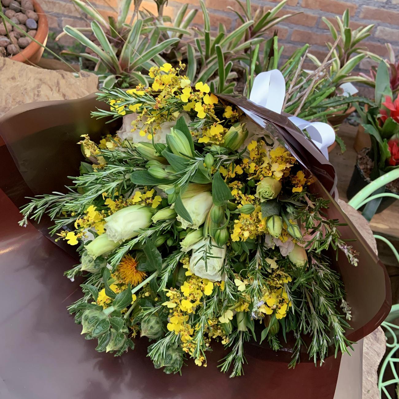 Bouquet Provance chuva de Ouro