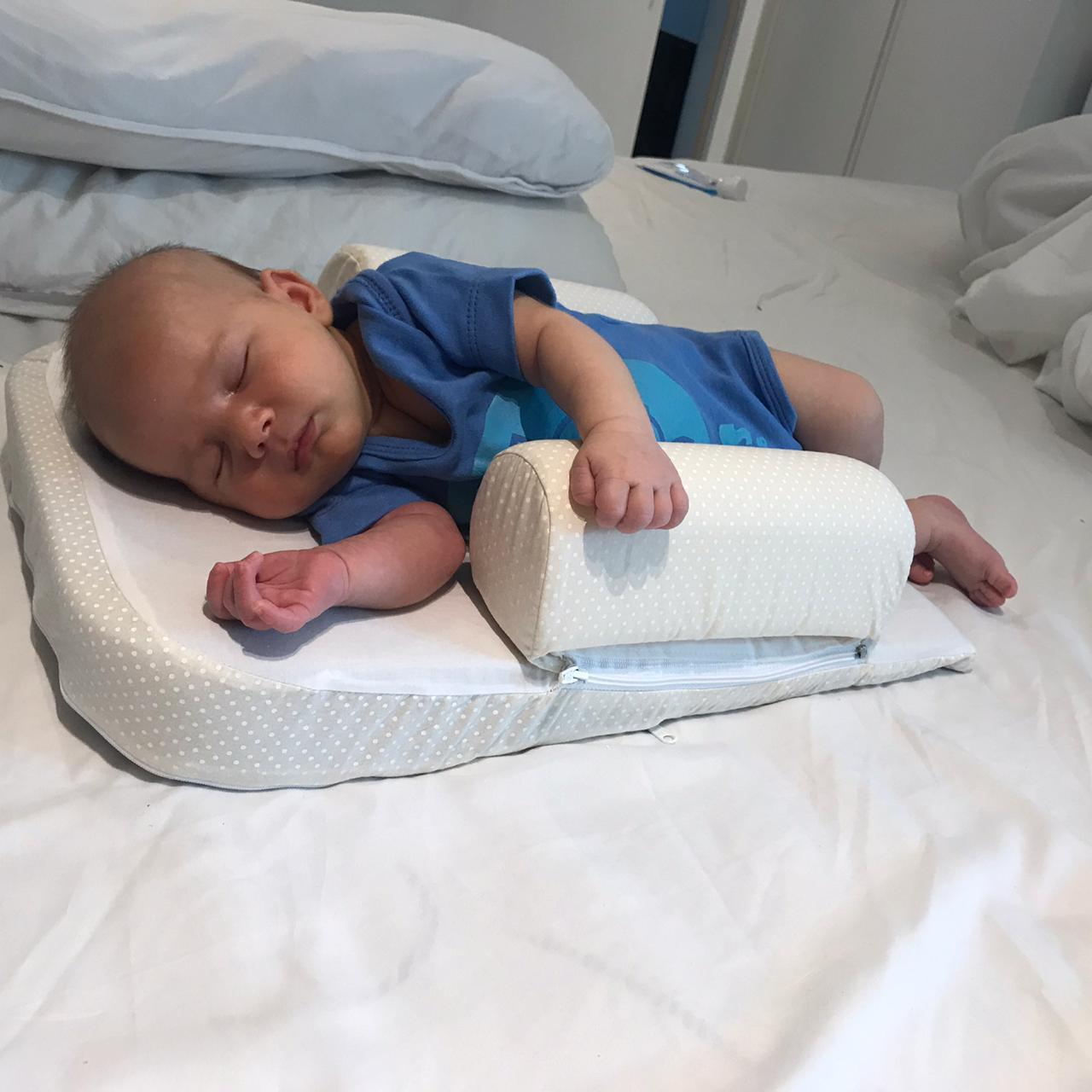 Travesseiro anti refluxo com rolinho