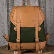 Mochila Roadstar Material e Cor: Couro Caramelo / Lona Verde