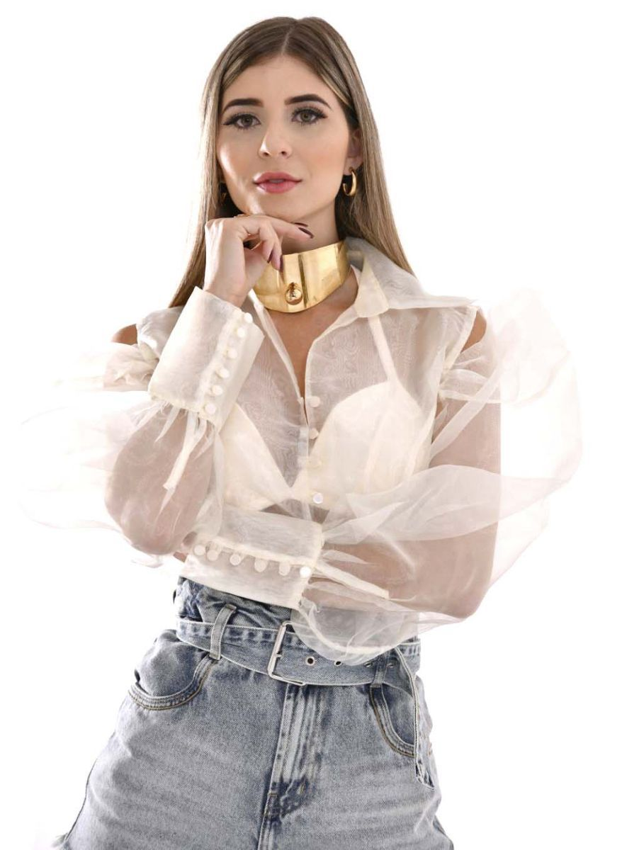 Camisa em organza com recortes no ombro