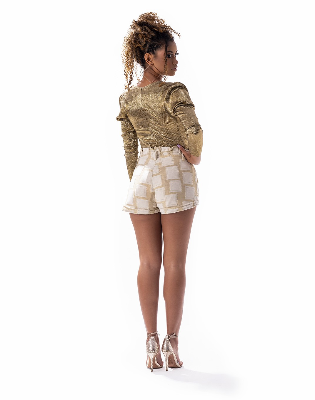 Short Rihana