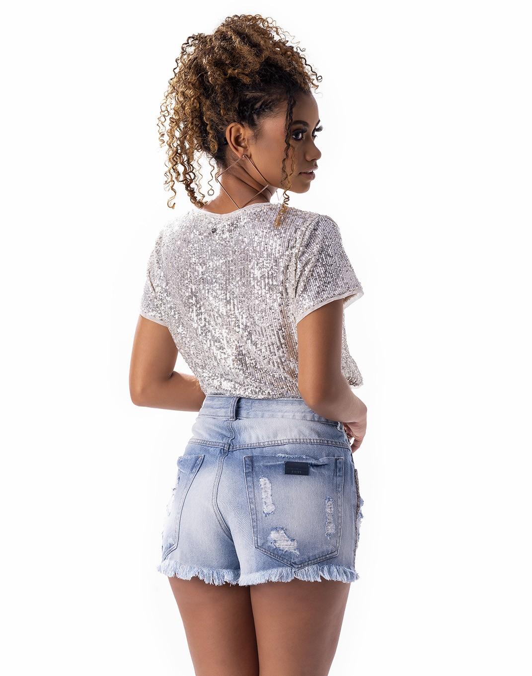 Short Rihana com detalhe na lateral