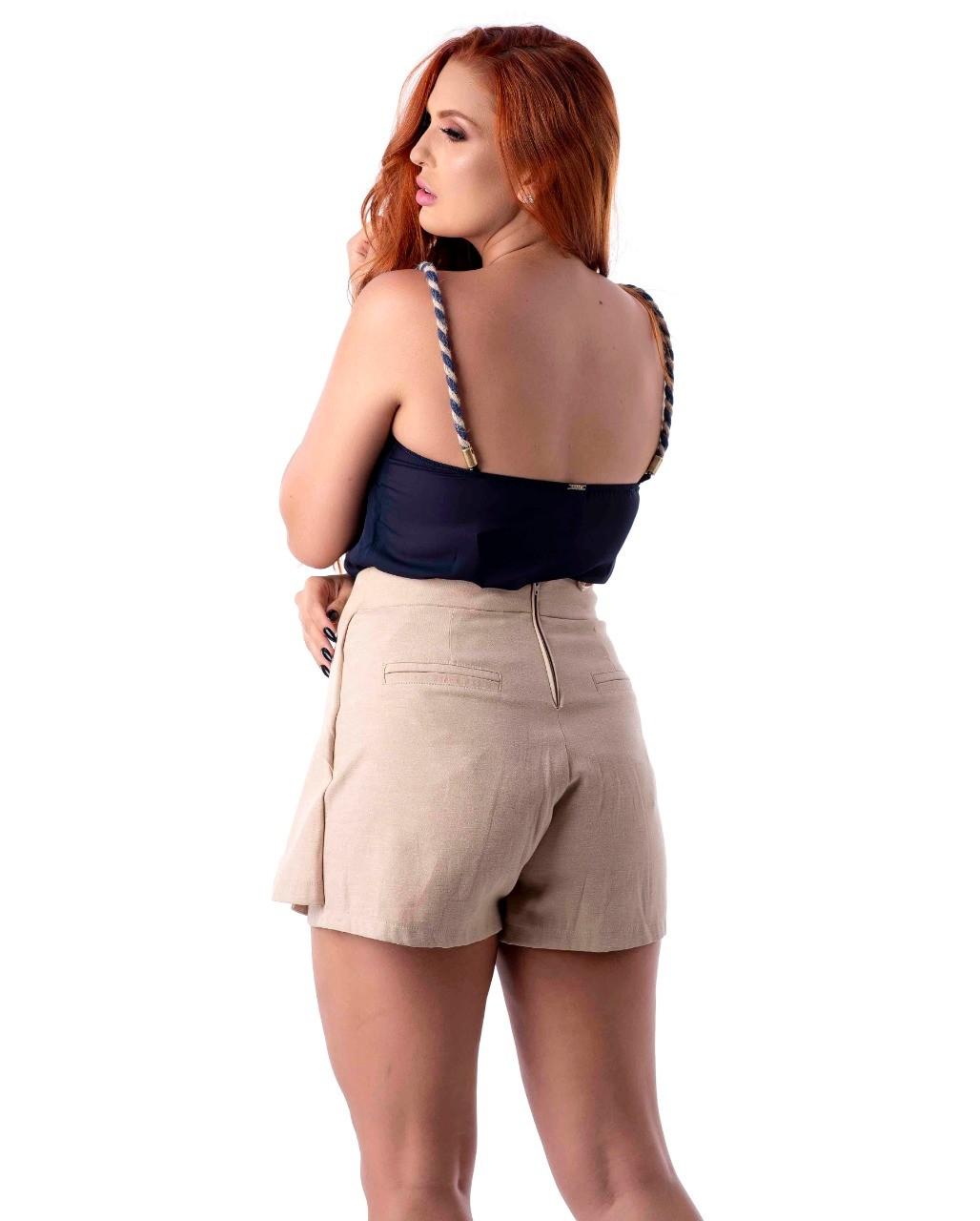 Shorts saia em linho