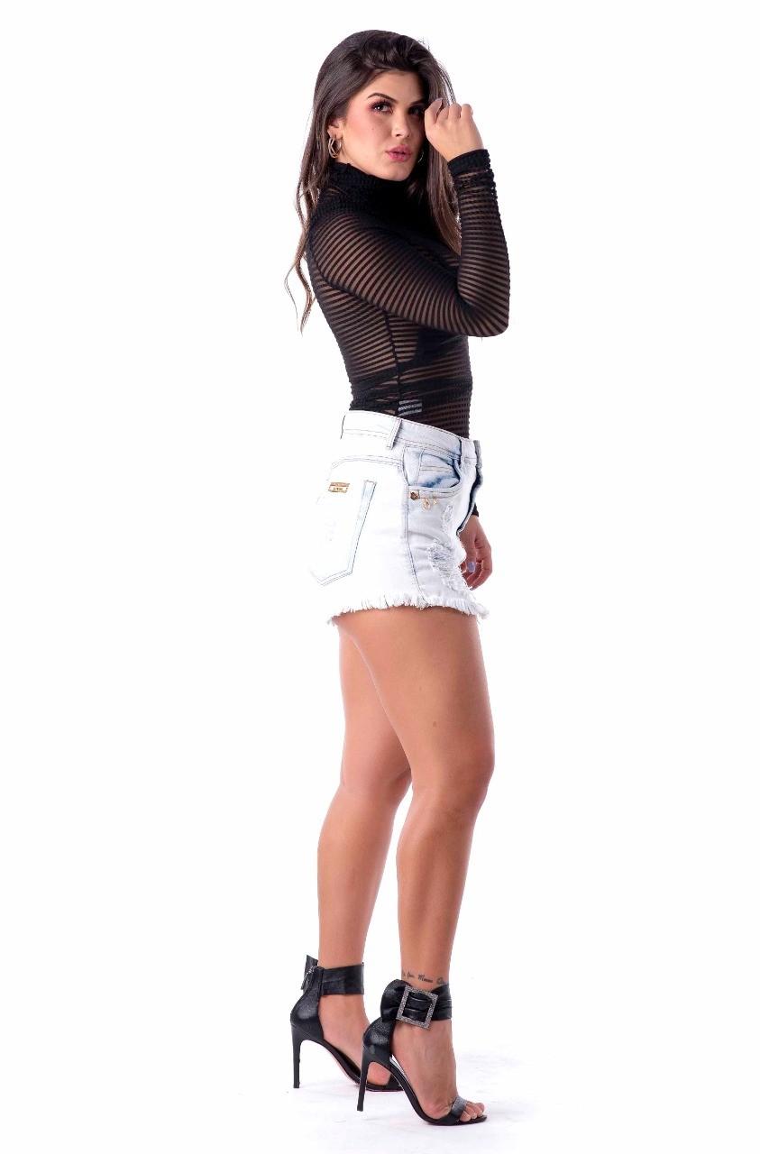 Shorts saia Rihanna