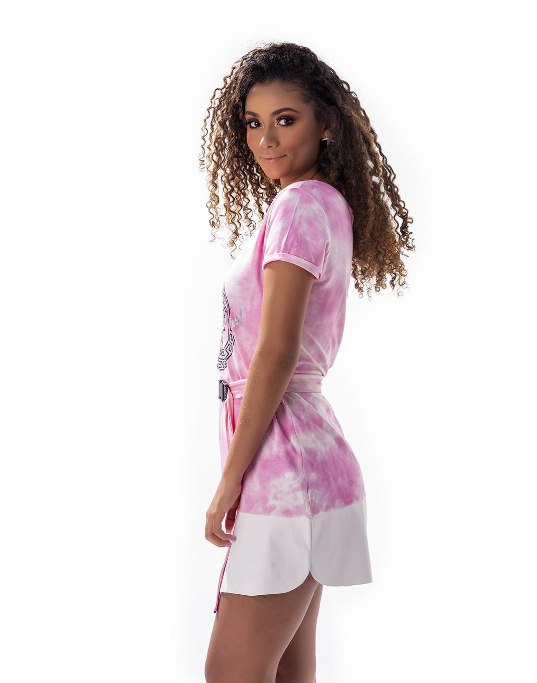 Vestido tie dye com barra de couro e cinto
