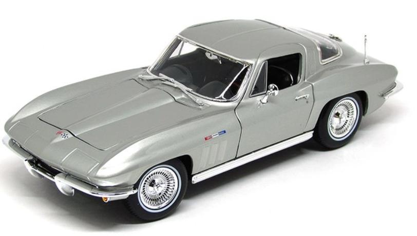 Miniatura Chevrolet Corvette 1965 1:18 - Prata