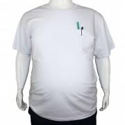 Camiseta Básica Com Bolso Plus Size