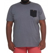 Camiseta Listrada com Bolso XXPlus Size