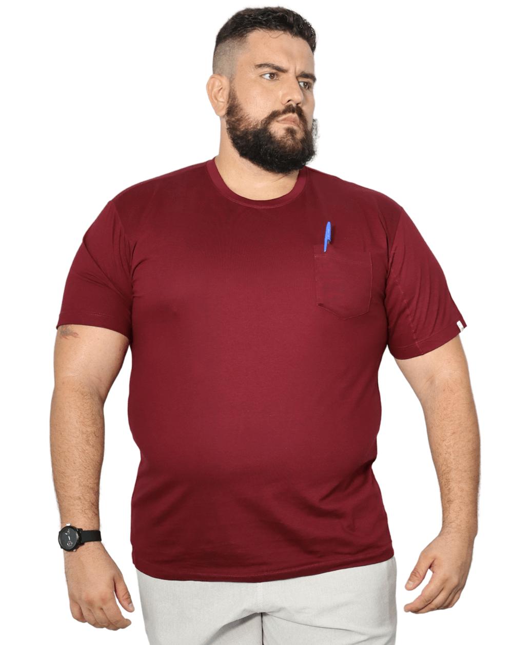 Camiseta Básica Com Bolso Plus Size  - HF | High Flight