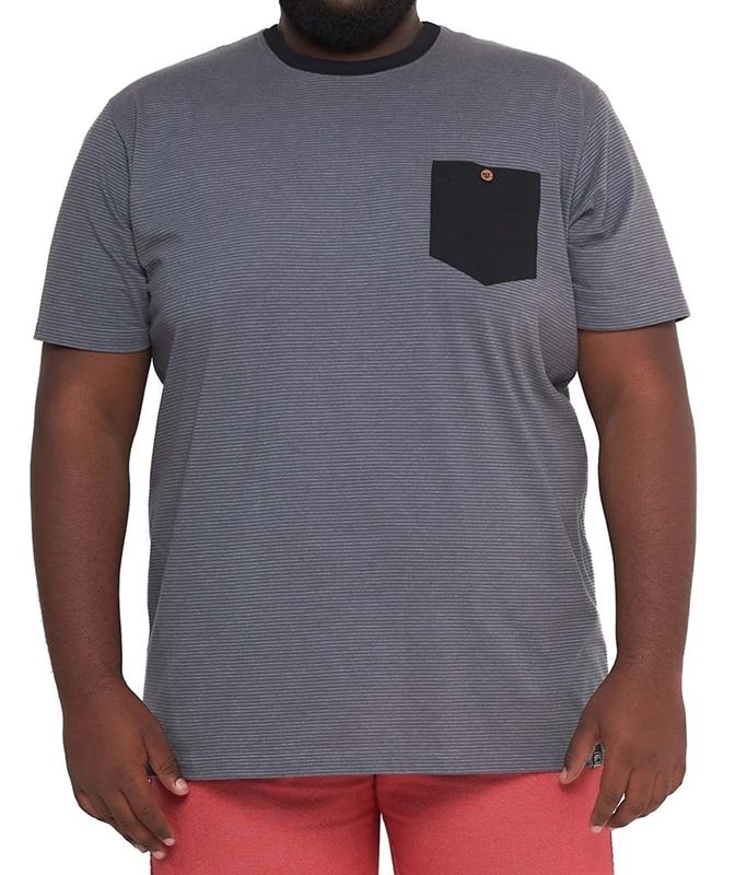 Camiseta Masculina Listrada com Bolso Plus Size  - HF | High Flight