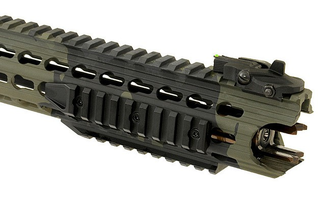RIFLE DE AIRSOFT AEG M4 BOAR TACTICAL KEYMOD RIFLE BLACK MULTI CAM FULL METAL BLOWBACK ASR117BKMC - APS