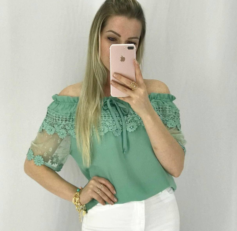 Blusa renda verde