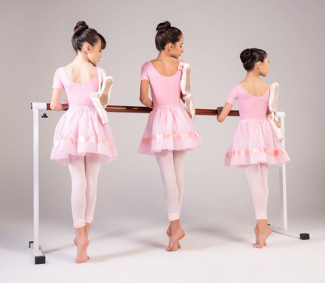 Sapatilha Meia Ponta Ballet Rosa Capezio Sola Dividida Ovinho Lona 252A