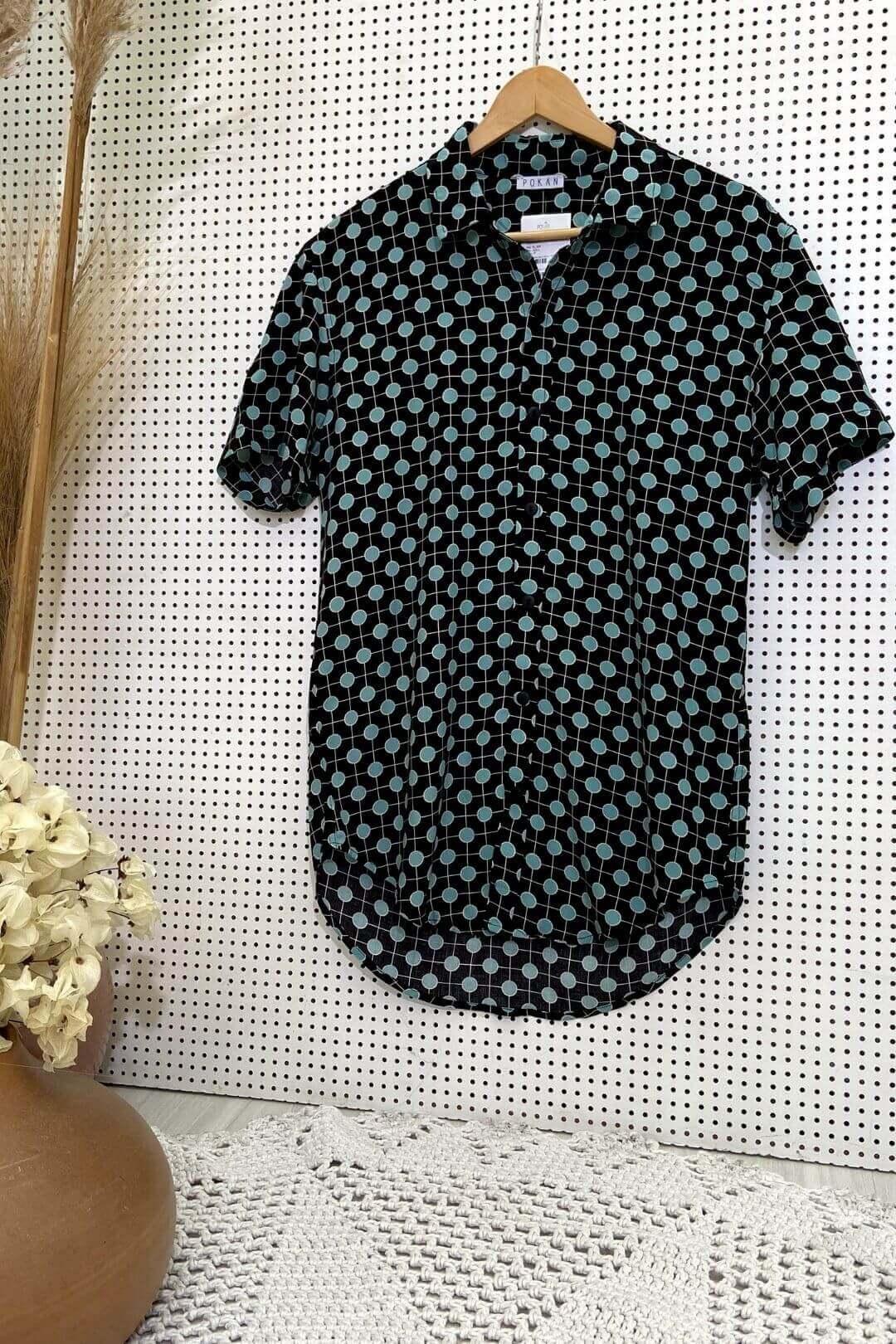 Camisa Botões e Gola