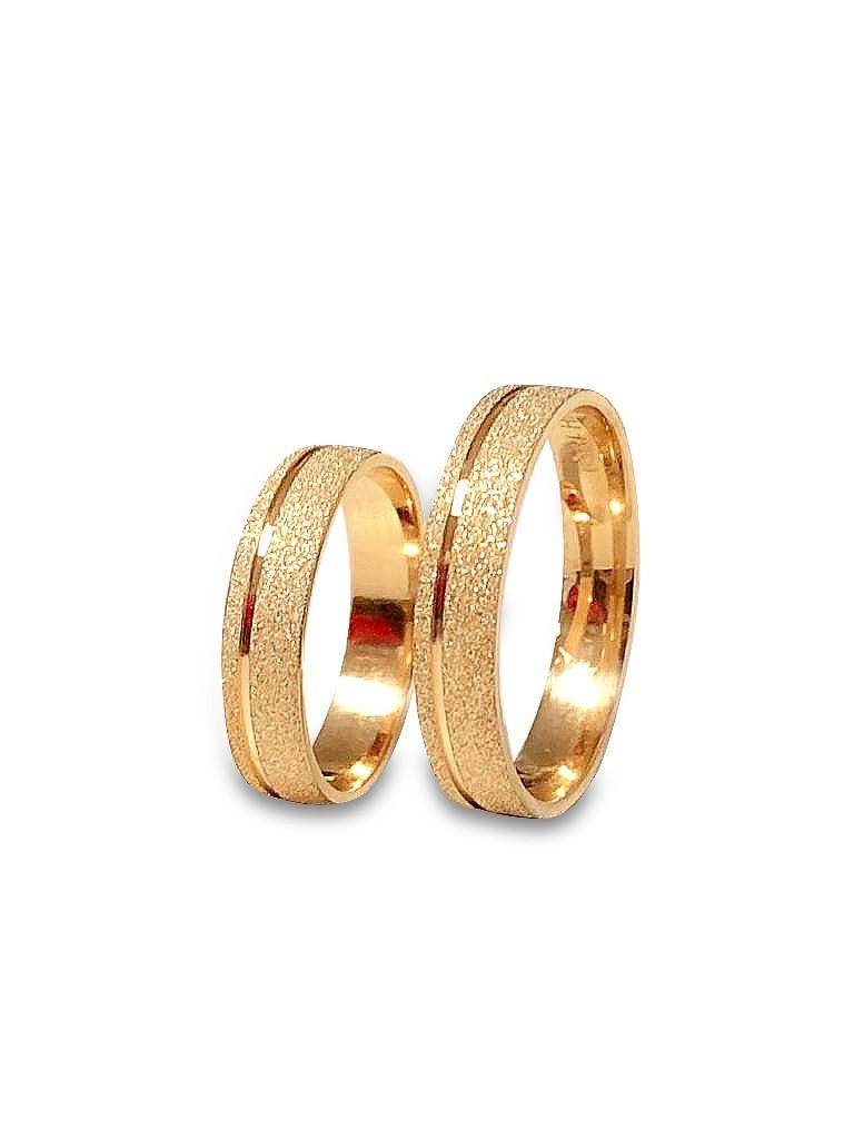 Par de Alianças de Ouro 18K diamantadas com 4 mm e 4g com 1 Pedra Zirconia.