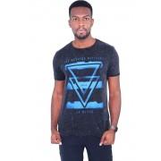 Camiseta Triângulo Invertido