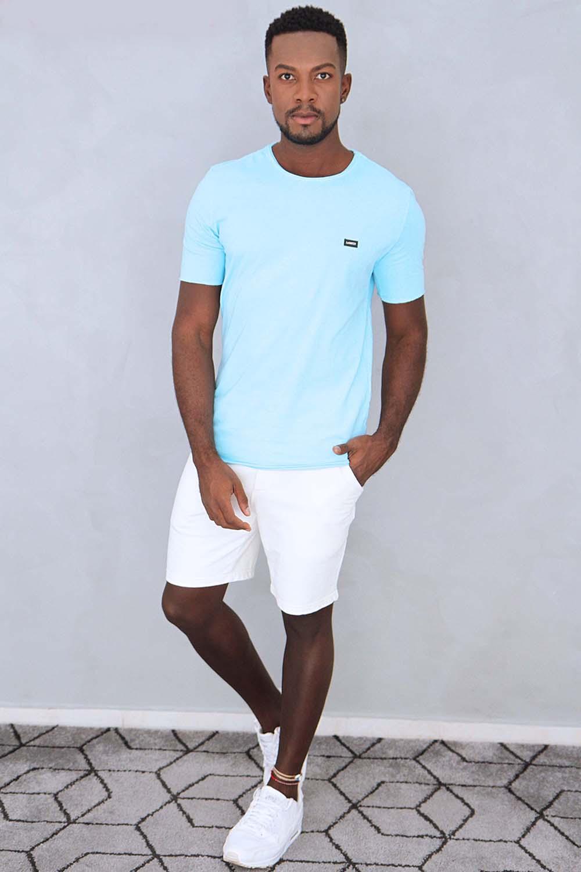 Camiseta Azul Com Etiqueta