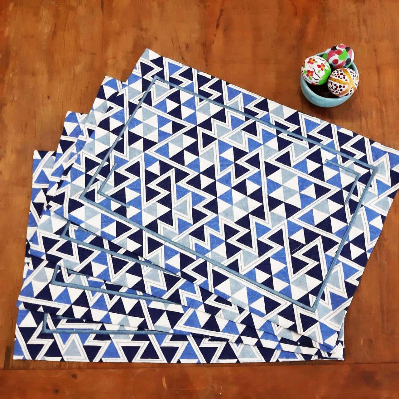Kit de 4 Jogos Americanos Canto Mitrado Azul Geométrico Bordado