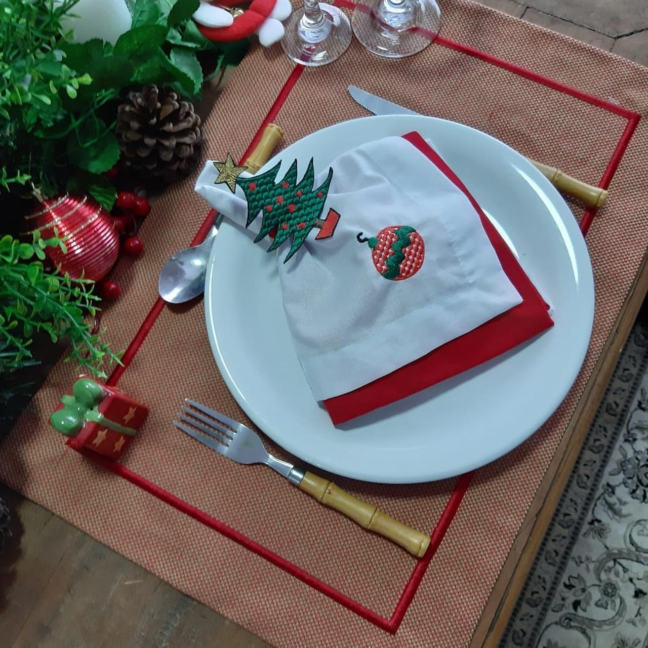 Kit Mesa Posta Bordado de Natal Luxo 4 Lugares