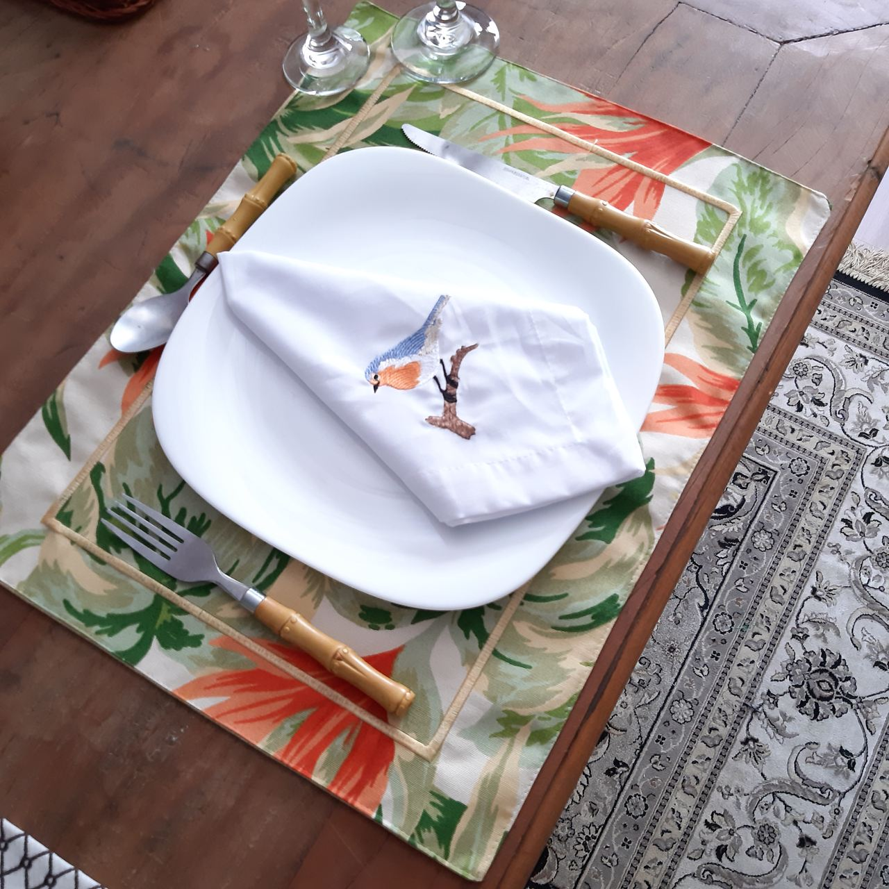 Kit Jogo Americano Dupla Face Bordado - Floral Tropical - 1 Lugar