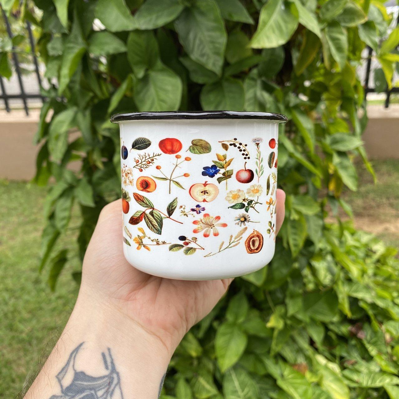 Caneca esmaltada Frutas e Vegetais