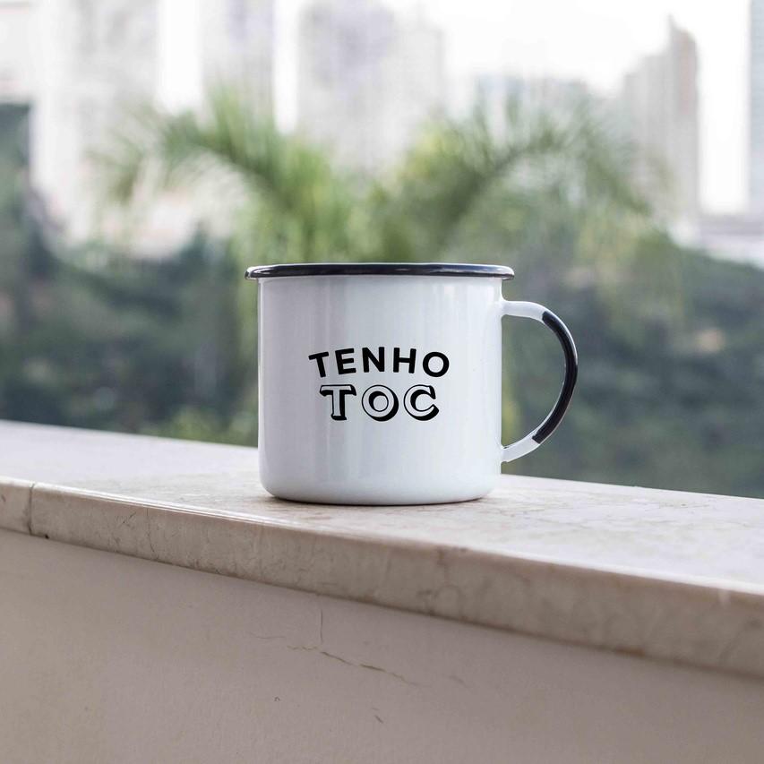 Caneca esmaltada Tenho TOC