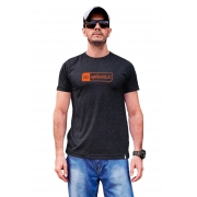 Camiseta sustentavel estampada preto mescla (grafite) logo laranja