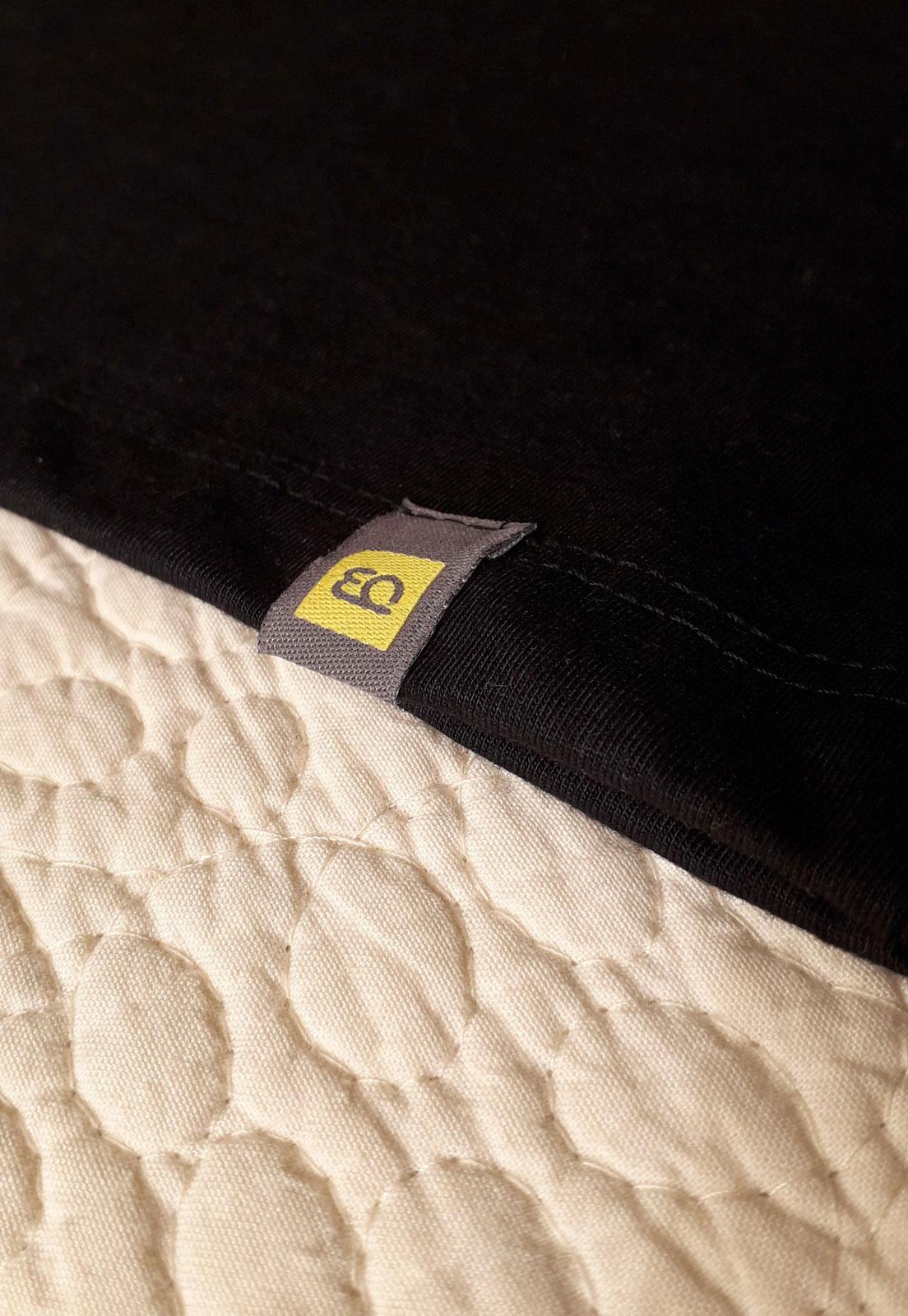 Blusa estampada sustentável full rotation preta ou branca