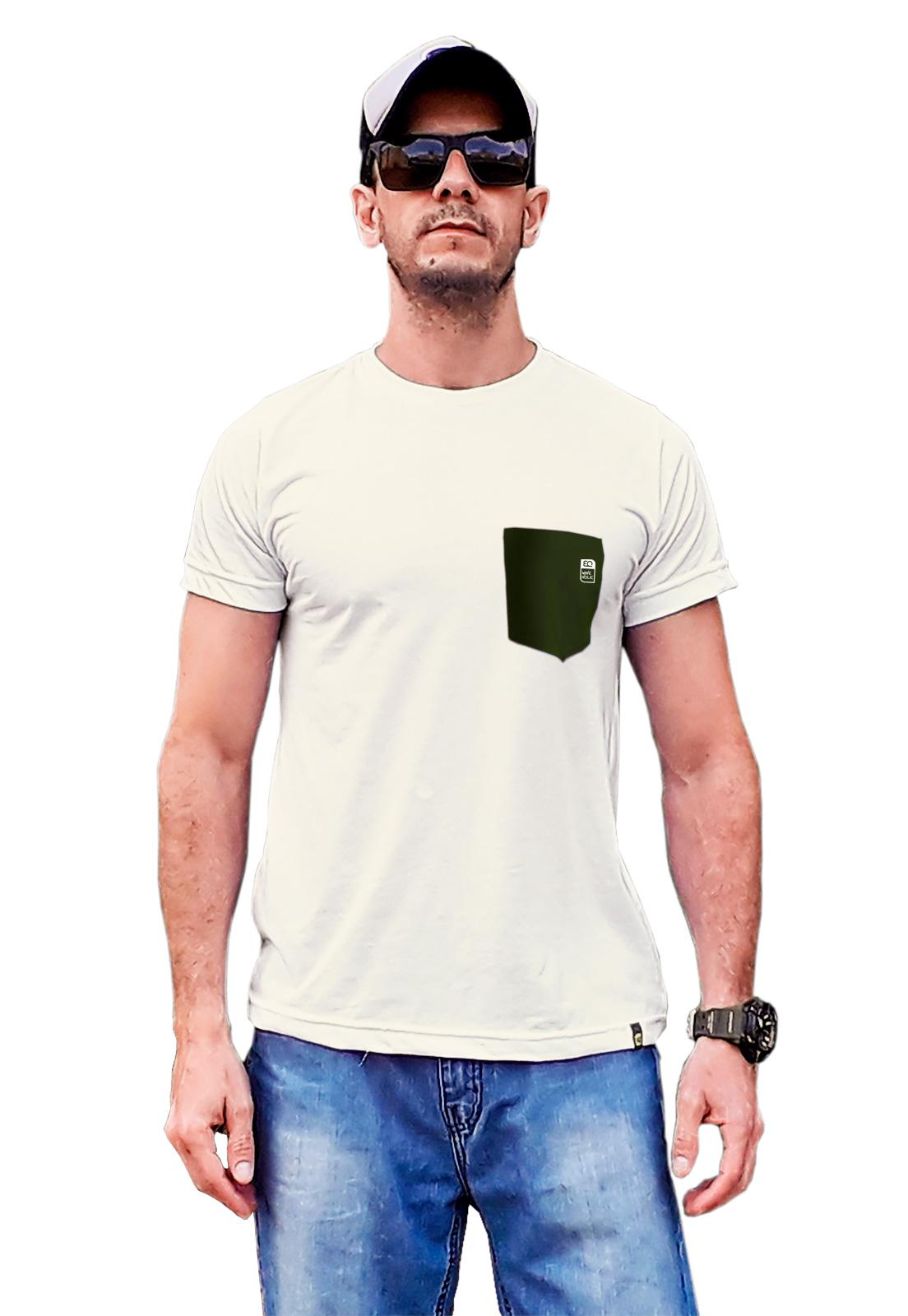 Camiseta com bolso verde jardim e champagne em malha ecológica