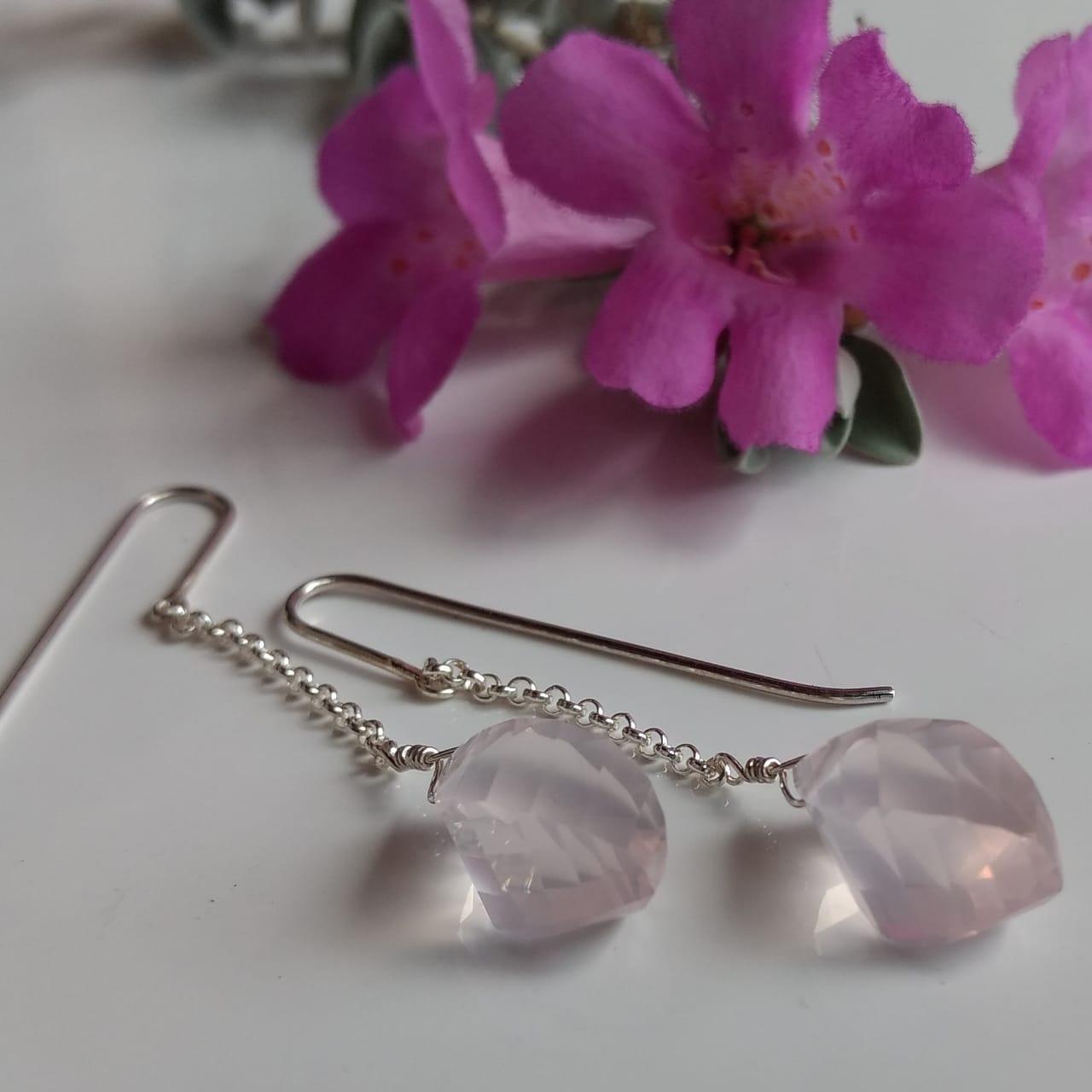 Brincos catavento quartzo rosa