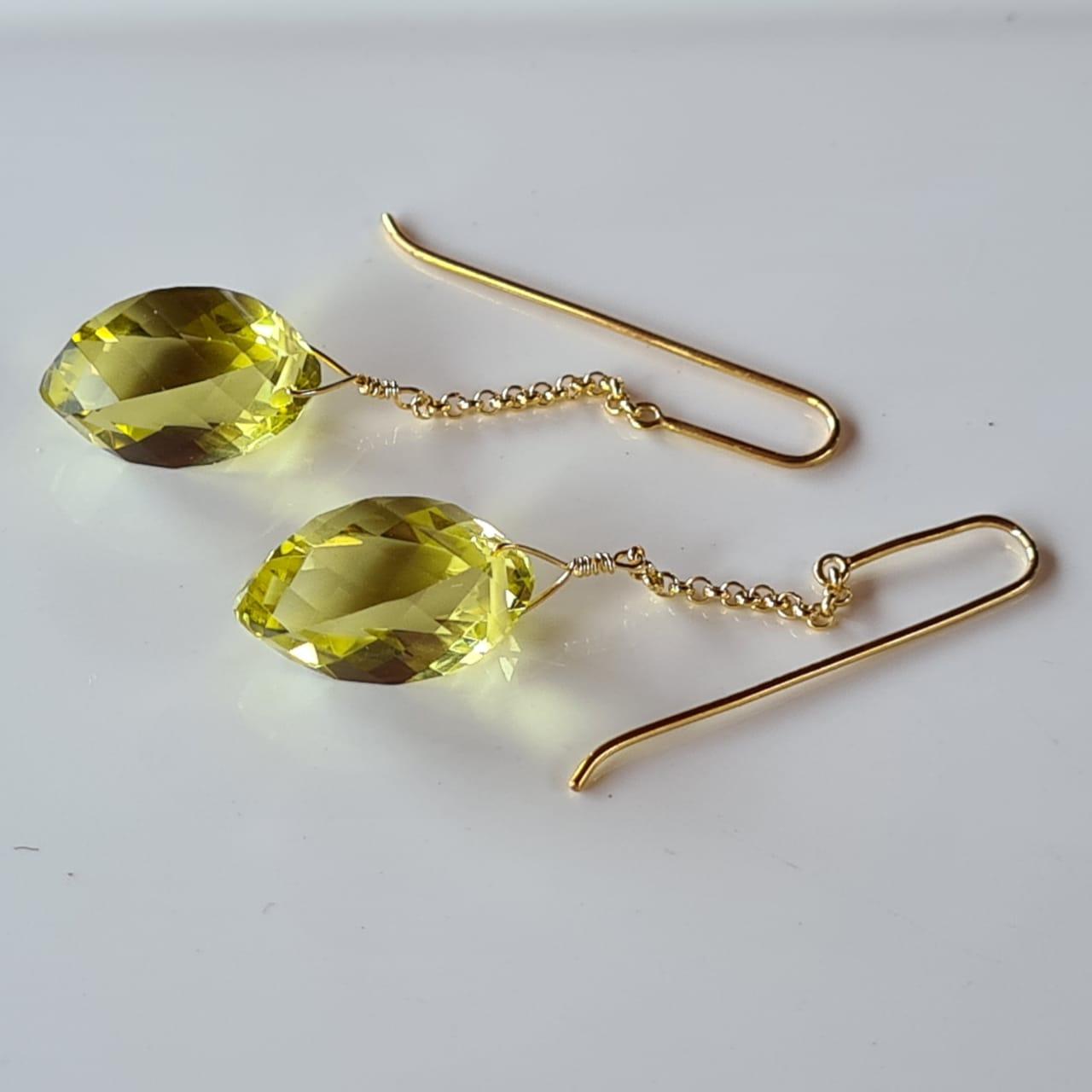 Brincos green gold cata-vento